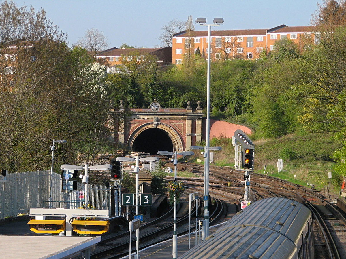 Knight's Hill Tunnel by Tulse Hill station